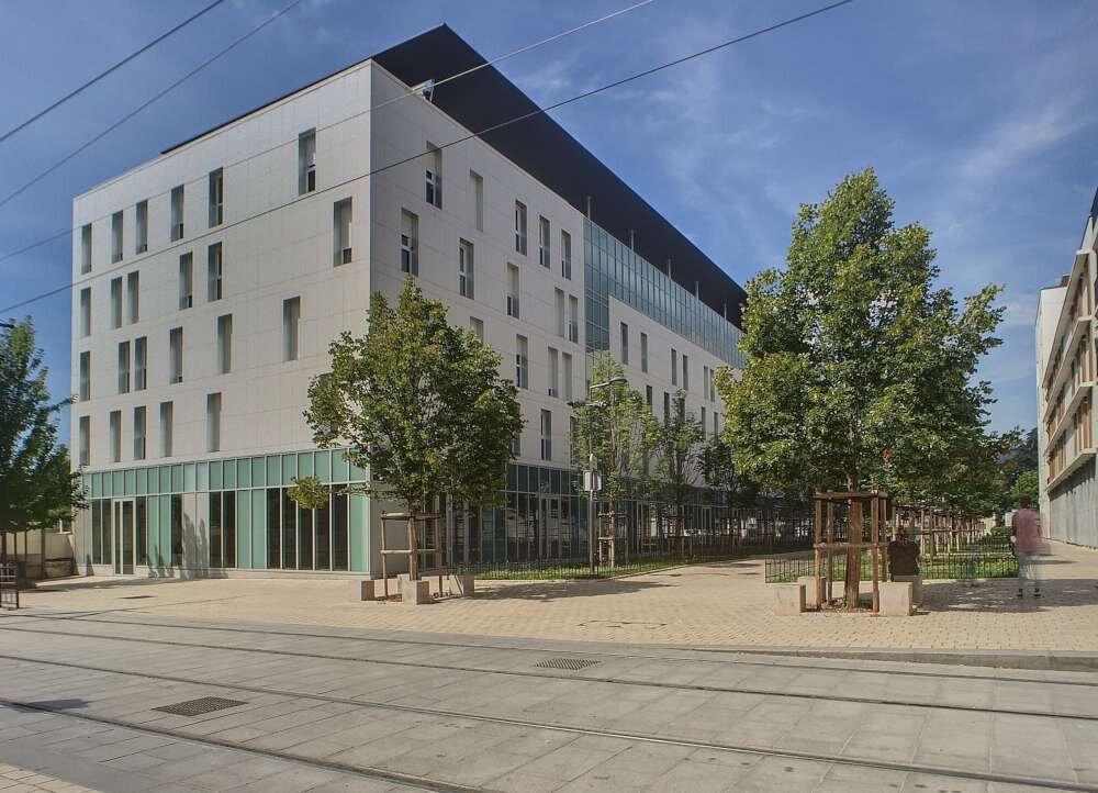 Appartement à louer 2 41.65m2 à Orléans vignette-1