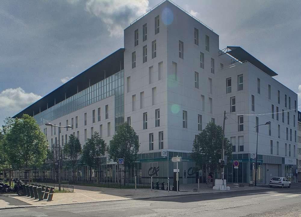 Appartement à louer 3 62.67m2 à Orléans vignette-1