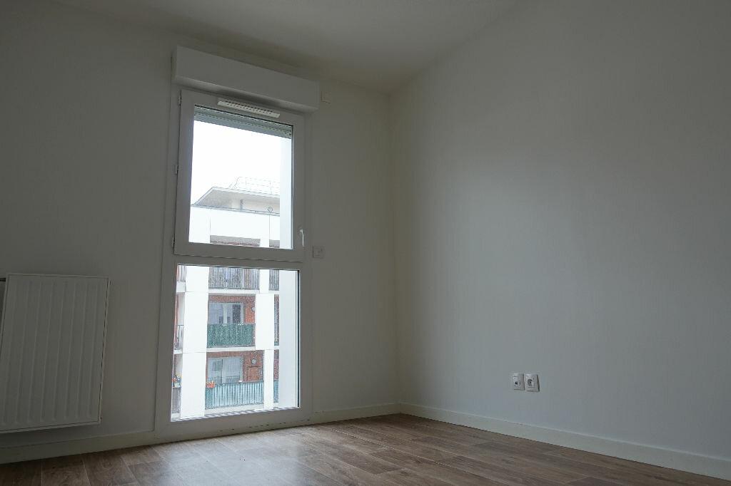 Appartement à louer 3 62.67m2 à Orléans vignette-4