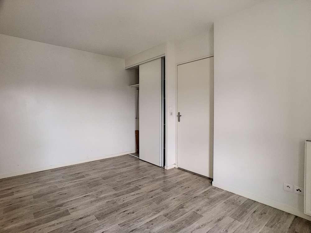Appartement à louer 2 43.24m2 à Orléans vignette-5
