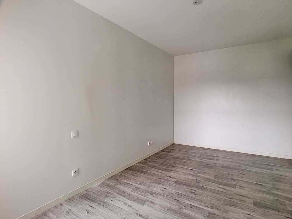 Appartement à louer 2 43.24m2 à Orléans vignette-7