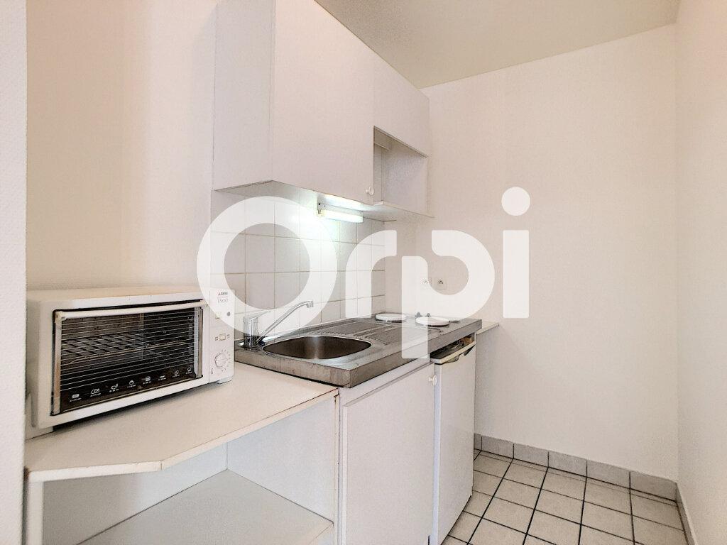 Appartement à louer 1 29.8m2 à Orléans vignette-4