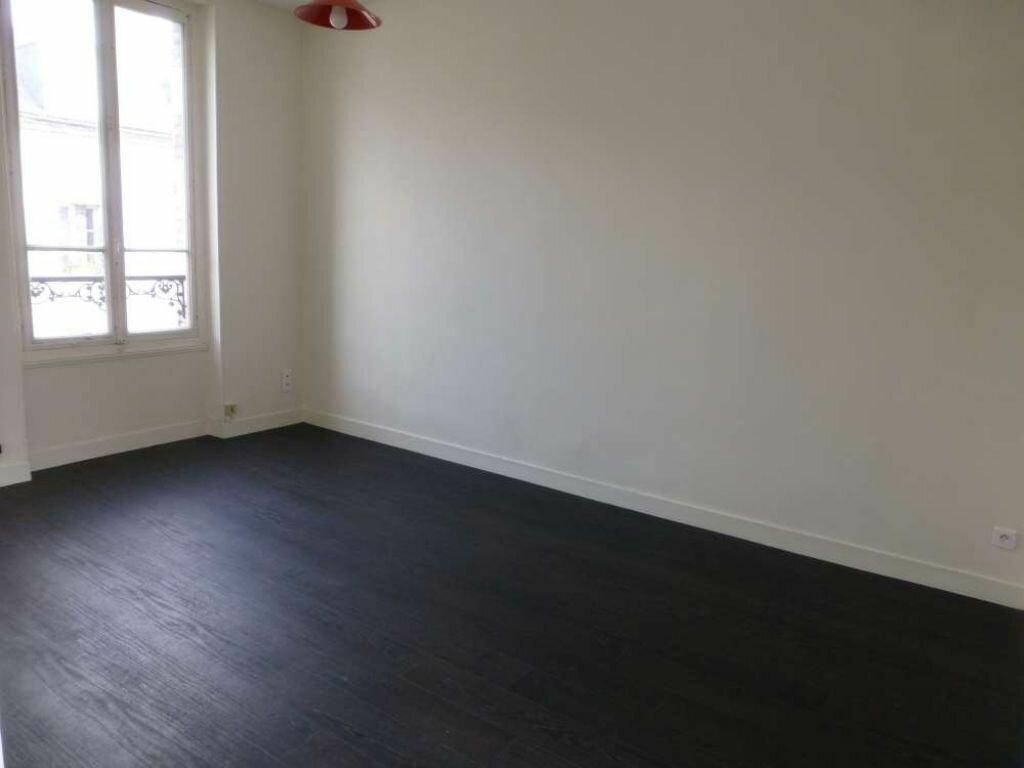 Appartement à louer 1 25m2 à Orléans vignette-1