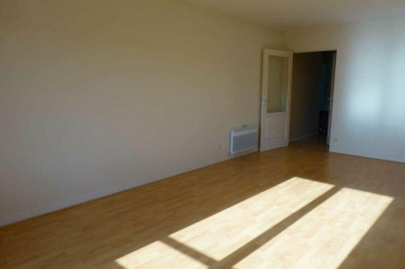 Appartement à louer 2 47.4m2 à Orléans vignette-4