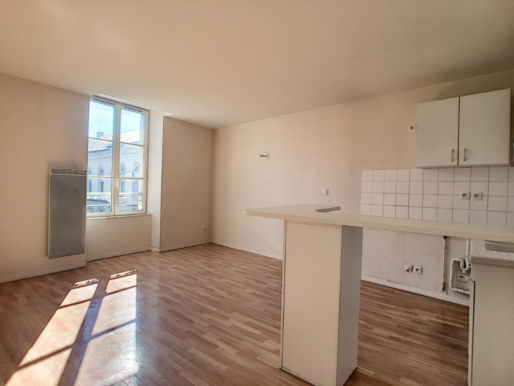 Appartement à louer 2 43.55m2 à Orléans vignette-3