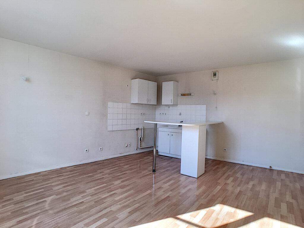 Appartement à louer 2 43.55m2 à Orléans vignette-4