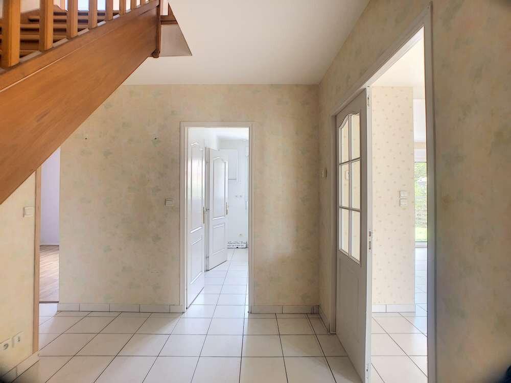Maison à louer 6 120.52m2 à Saint-Cyr-en-Val vignette-4