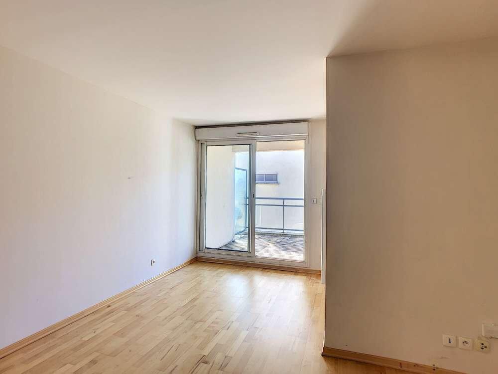 Appartement à louer 3 63.8m2 à Orléans vignette-2
