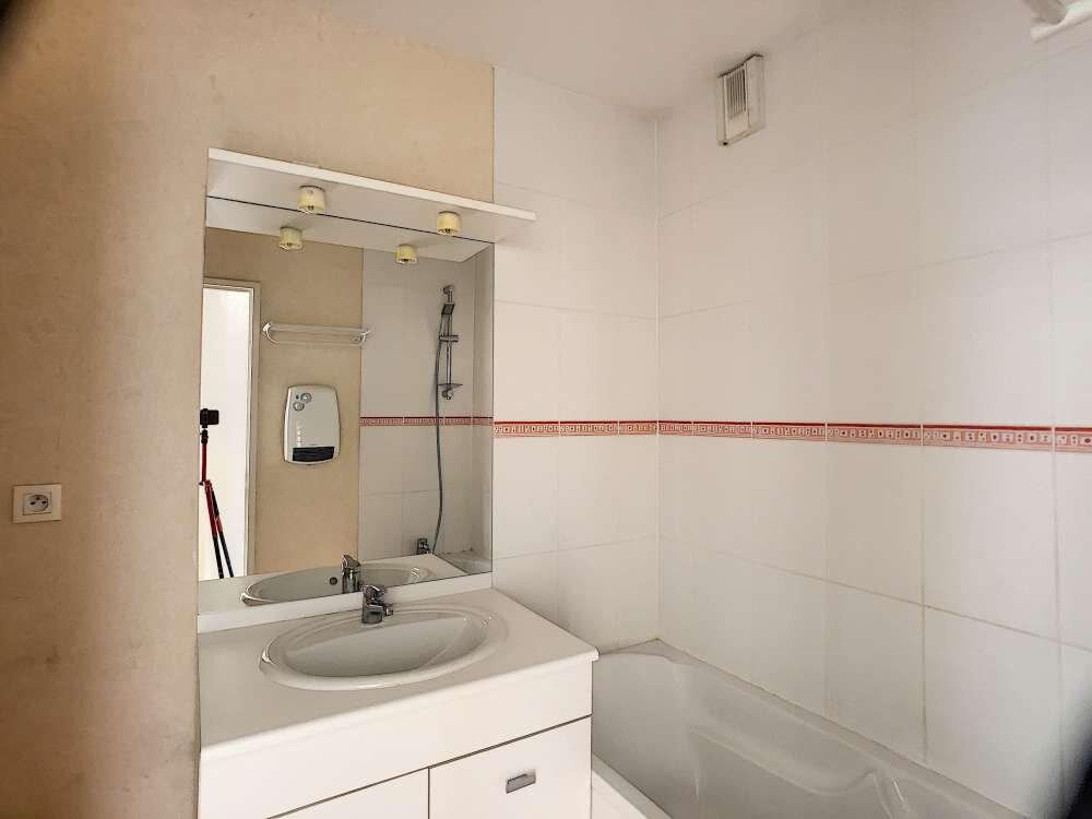 Appartement à louer 3 63.8m2 à Orléans vignette-6