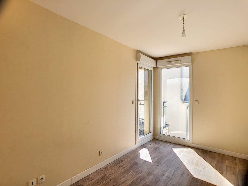 Appartement à louer 3 63.8m2 à Orléans vignette-8