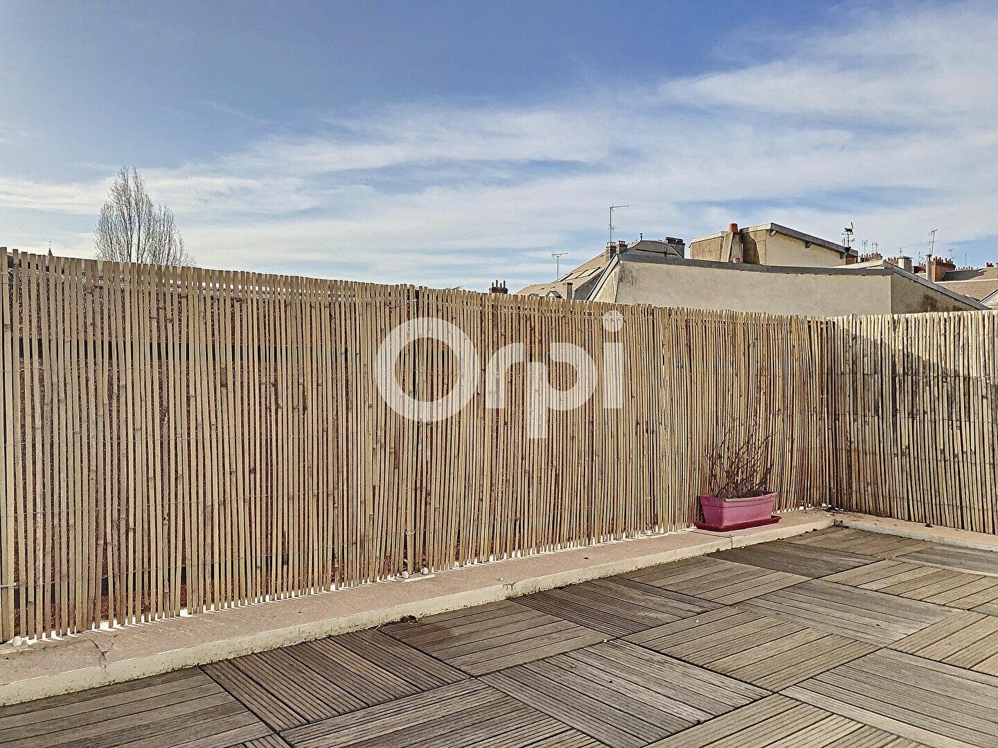 Appartement à louer 3 69.65m2 à Orléans vignette-2