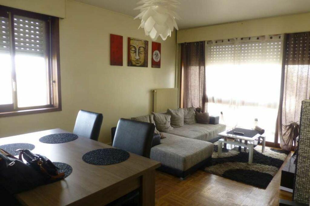 Appartement à louer 3 66.3m2 à Orléans vignette-1