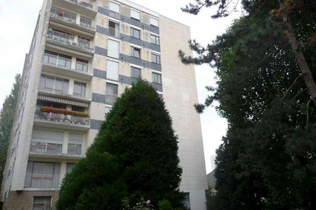 Appartement à louer 3 66.3m2 à Orléans vignette-2
