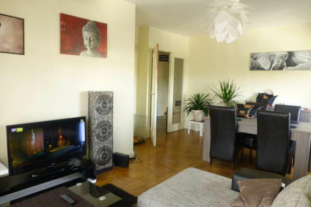 Appartement à louer 3 66.3m2 à Orléans vignette-3