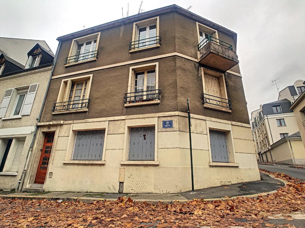 Appartement à louer 2 33.74m2 à Orléans vignette-3