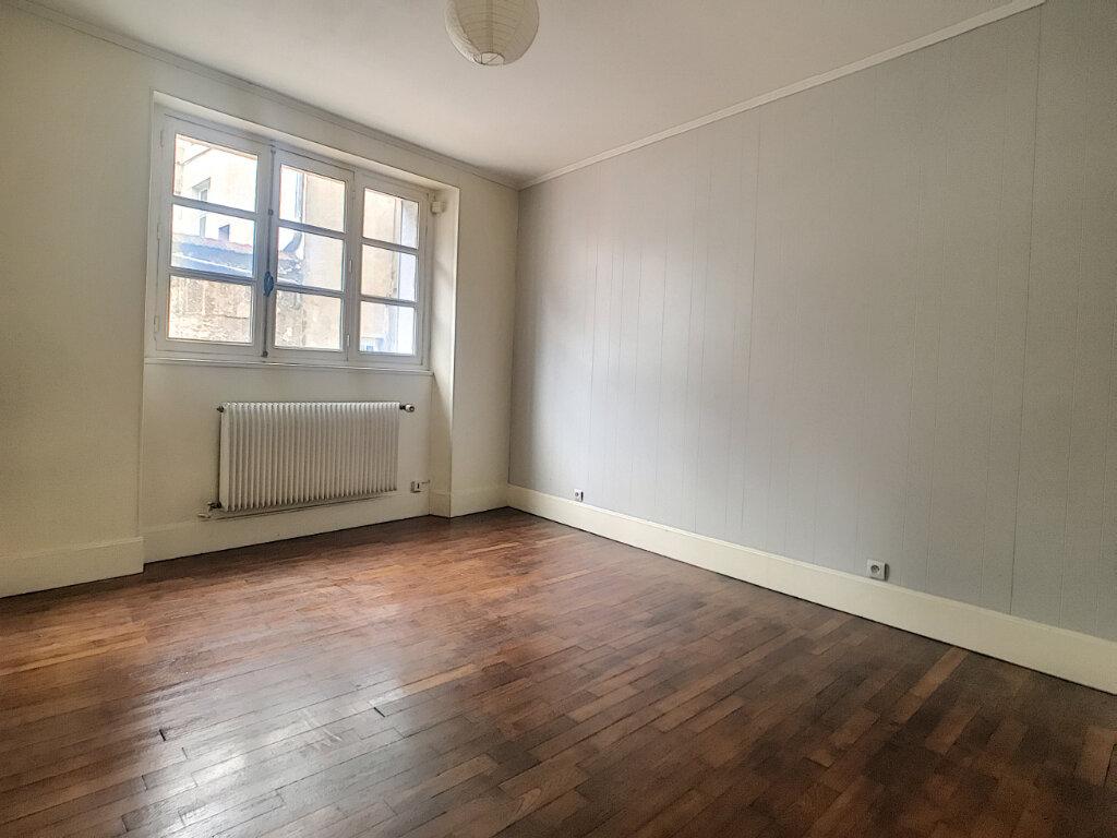 Appartement à louer 2 33.74m2 à Orléans vignette-4