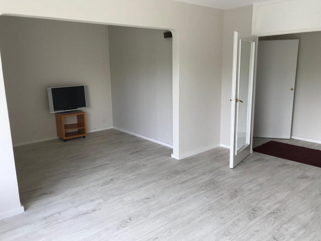 Appartement à louer 5 85.95m2 à Marcq-en-Baroeul vignette-1