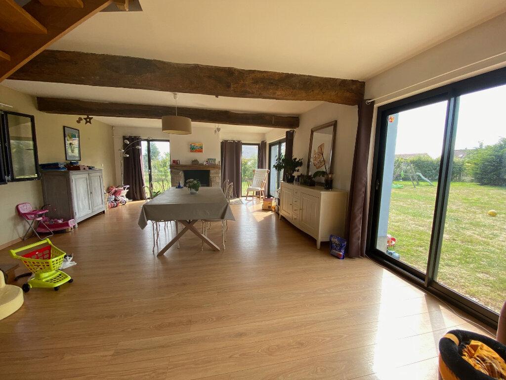 Maison à vendre 6 200m2 à La Madelaine-sous-Montreuil vignette-5