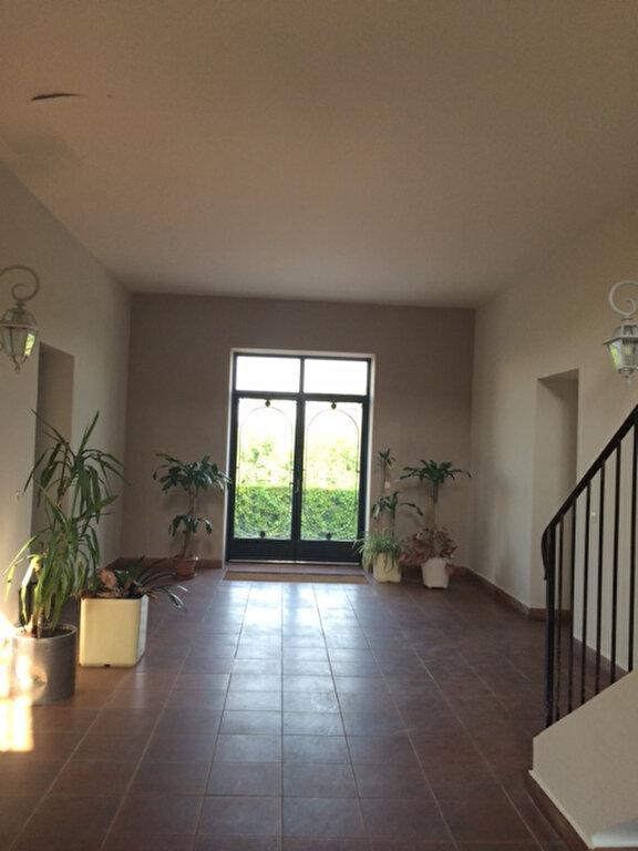 Appartement à louer 1 28m2 à La Seyne-sur-Mer vignette-4
