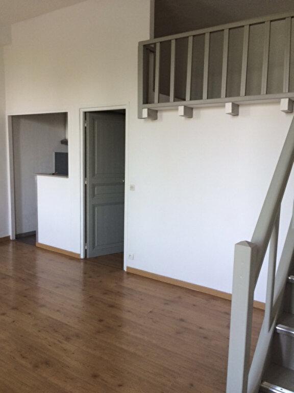 Appartement à louer 1 28m2 à La Seyne-sur-Mer vignette-5