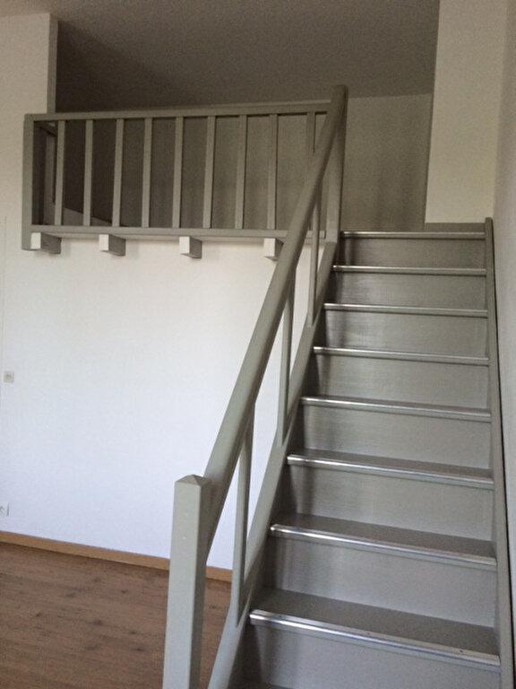 Appartement à louer 1 28m2 à La Seyne-sur-Mer vignette-6