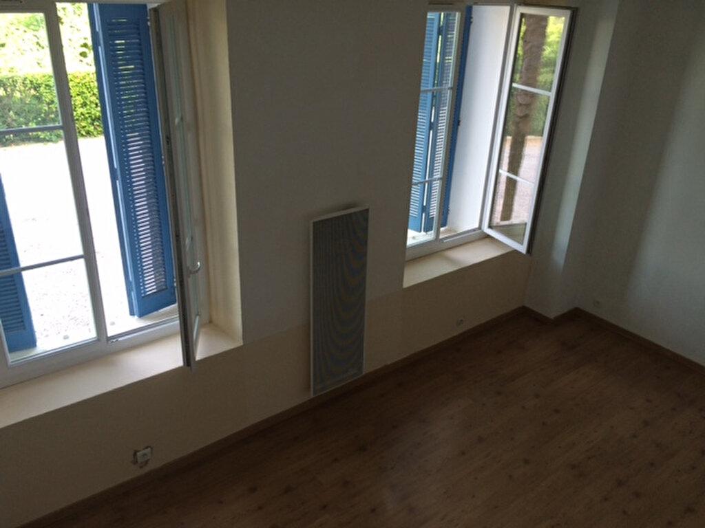 Appartement à louer 1 28m2 à La Seyne-sur-Mer vignette-9