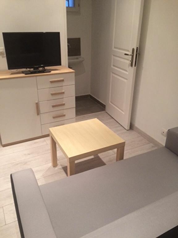Appartement à louer 2 31m2 à Six-Fours-les-Plages vignette-2