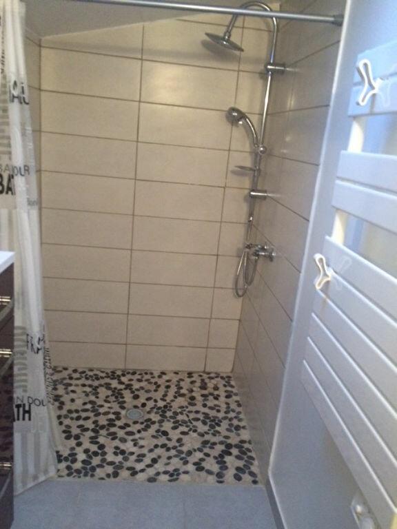 Appartement à louer 2 31m2 à Six-Fours-les-Plages vignette-3