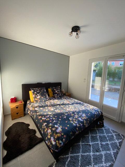Maison à louer 4 106m2 à La Seyne-sur-Mer vignette-5
