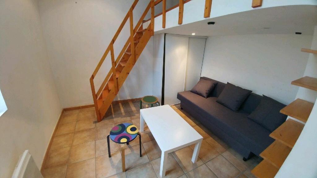 Appartement à louer 1 16.45m2 à La Seyne-sur-Mer vignette-1
