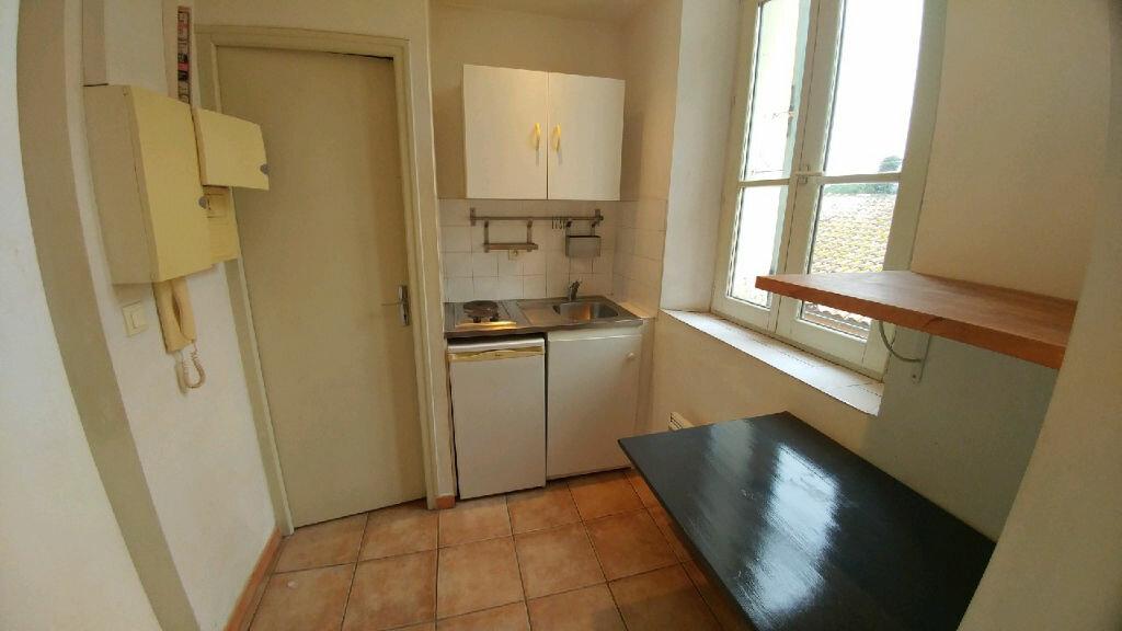 Appartement à louer 1 16.45m2 à La Seyne-sur-Mer vignette-2