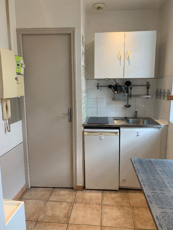 Appartement à louer 1 16.45m2 à La Seyne-sur-Mer vignette-3