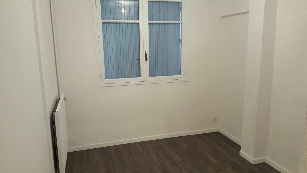 Appartement à louer 4 66m2 à La Seyne-sur-Mer vignette-5