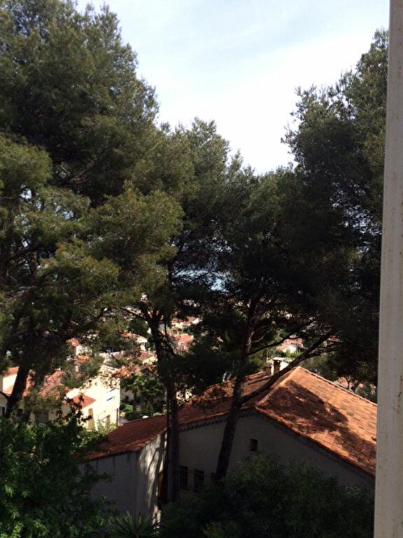 Appartement à louer 1 20m2 à La Seyne-sur-Mer vignette-1