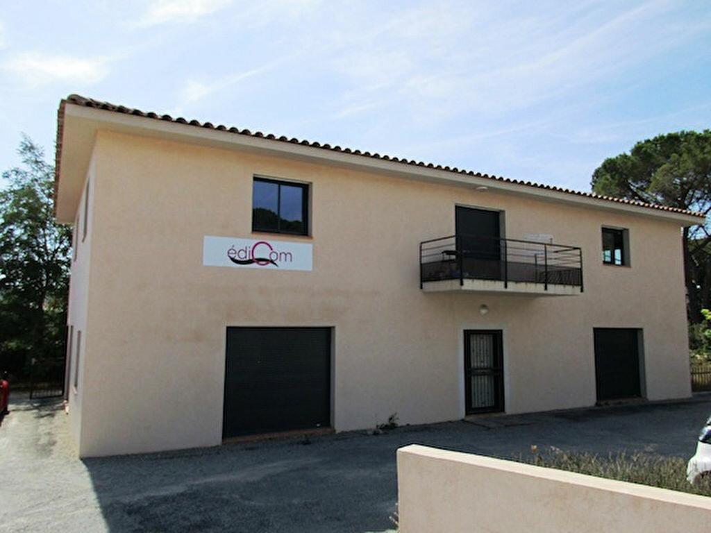 Immeuble à vendre 0 300m2 à Sanary-sur-Mer vignette-4