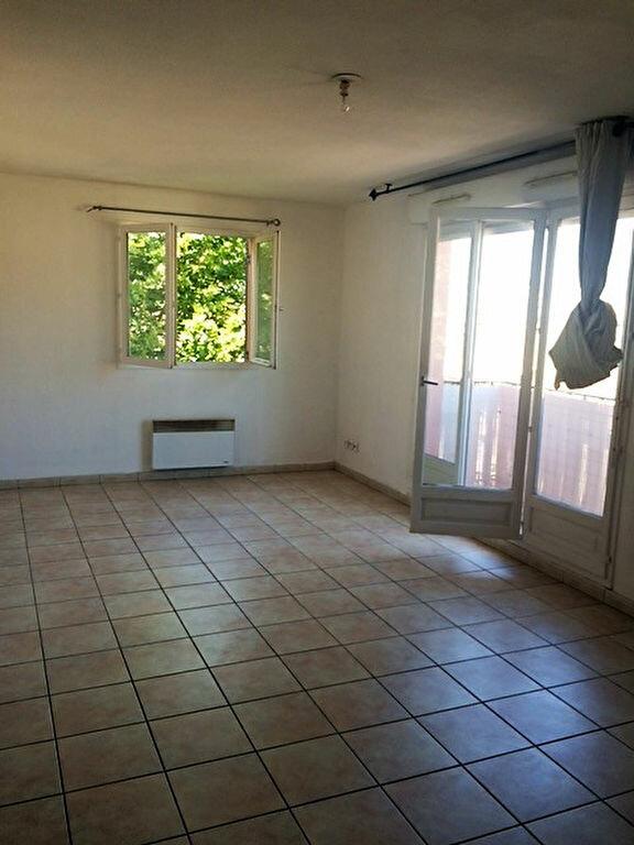 Appartement à louer 2 50.2m2 à La Seyne-sur-Mer vignette-3