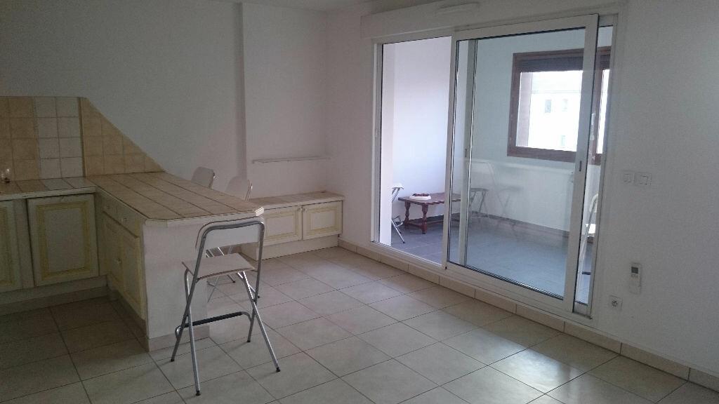 Appartement à vendre 2 50m2 à La Seyne-sur-Mer vignette-1