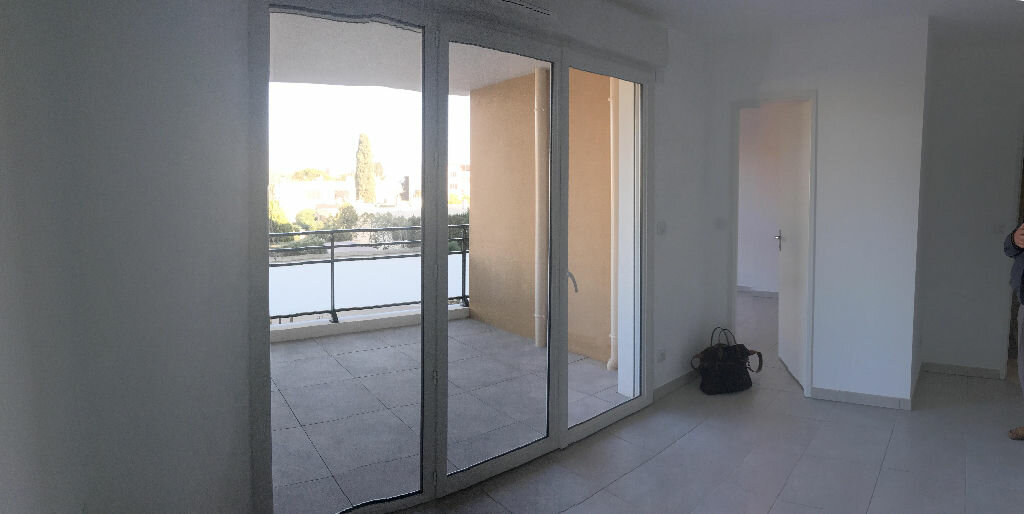 Appartement à louer 2 37.86m2 à La Seyne-sur-Mer vignette-3