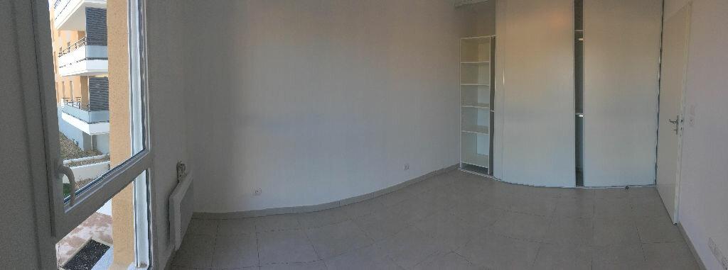 Appartement à louer 2 37.86m2 à La Seyne-sur-Mer vignette-4