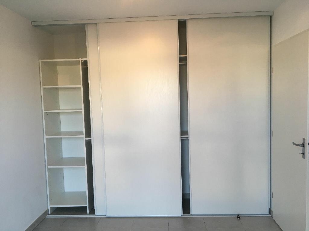 Appartement à louer 2 37.86m2 à La Seyne-sur-Mer vignette-5
