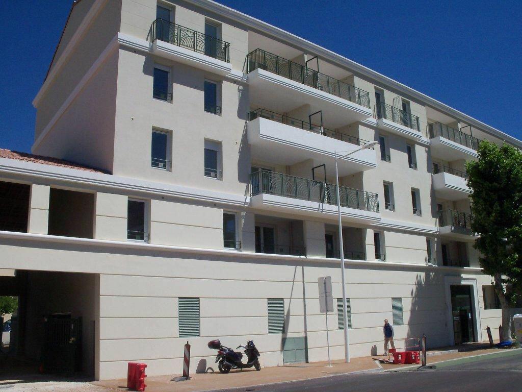 Appartement à louer 3 56m2 à Toulon vignette-1