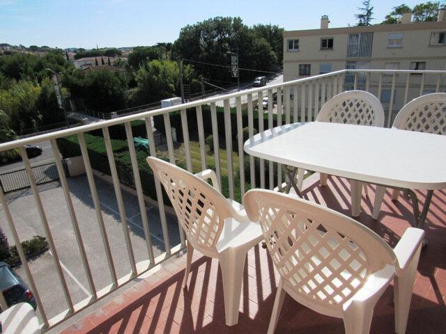 Appartement à vendre 3 44m2 à Sanary-sur-Mer vignette-1