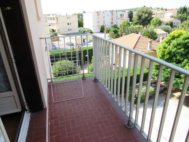 Appartement à vendre 3 44m2 à Sanary-sur-Mer vignette-4