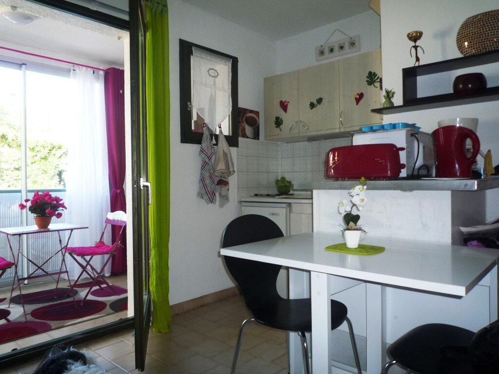 Appartement à vendre 2 27.89m2 à Sanary-sur-Mer vignette-1