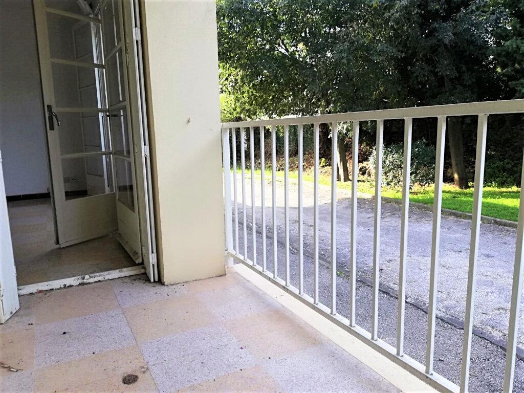 Appartement à vendre 3 62m2 à Toulon vignette-4