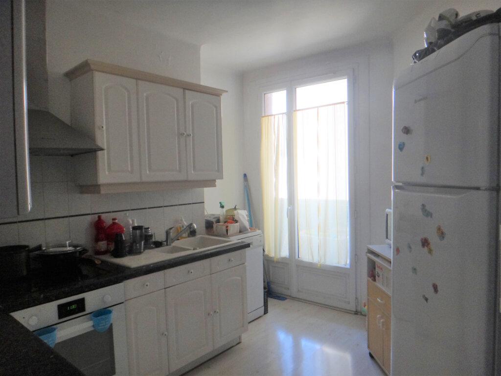 Appartement à vendre 4 80m2 à Toulon vignette-2