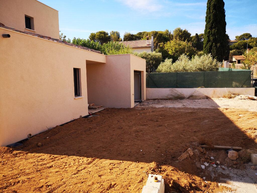 Maison à vendre 4 134.94m2 à Sanary-sur-Mer vignette-1