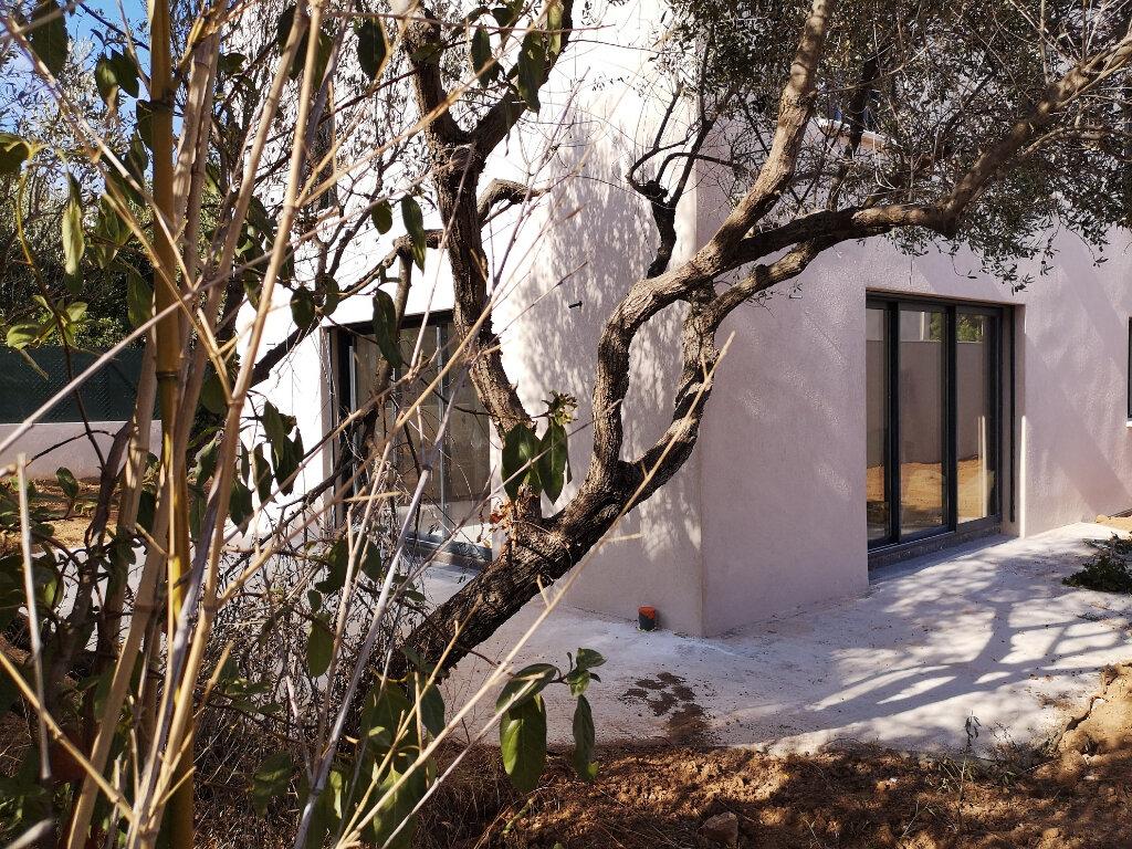 Maison à vendre 4 134.94m2 à Sanary-sur-Mer vignette-6