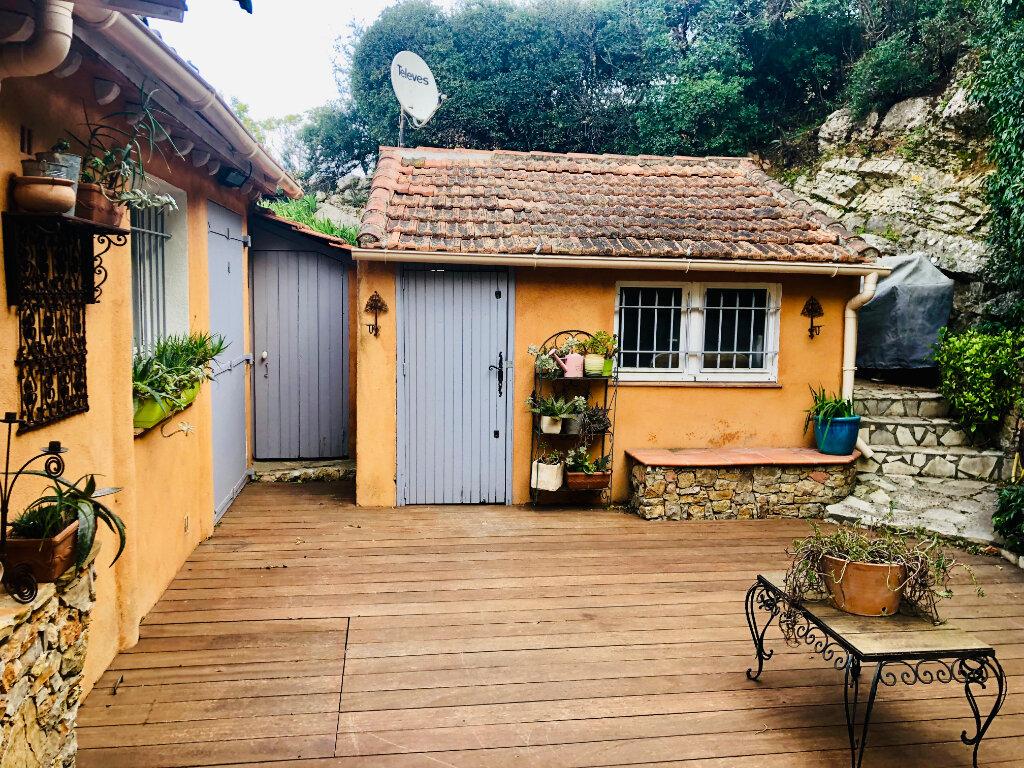 Maison à vendre 7 177m2 à Sanary-sur-Mer vignette-6
