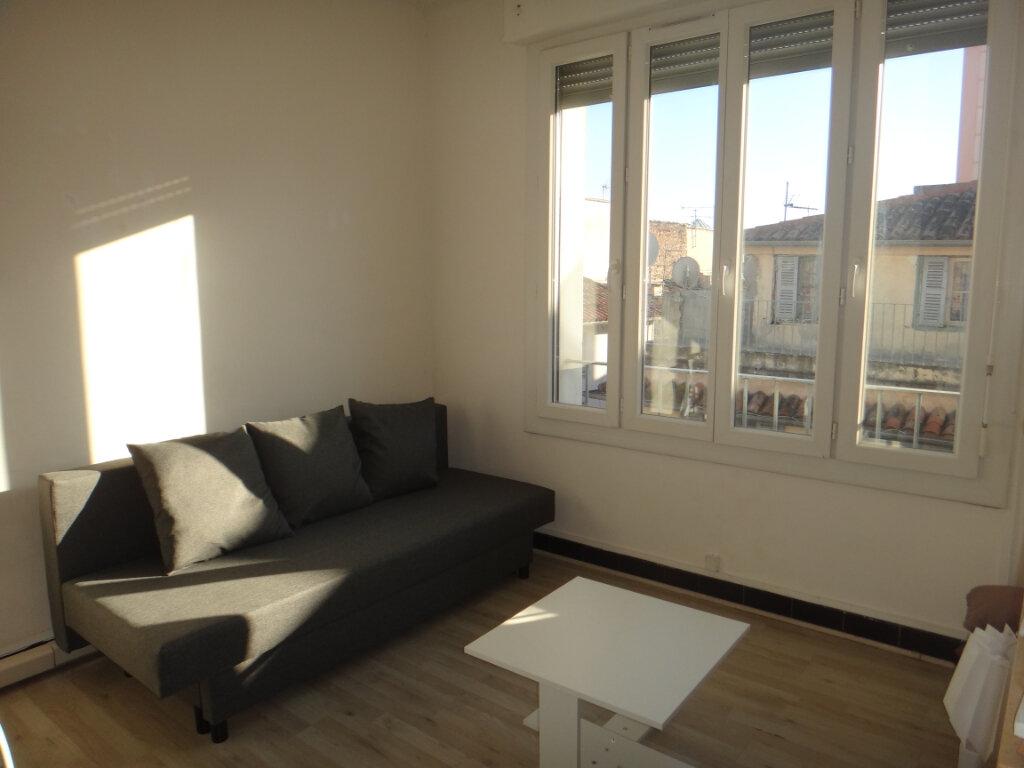 Appartement à vendre 2 37m2 à Toulon vignette-2
